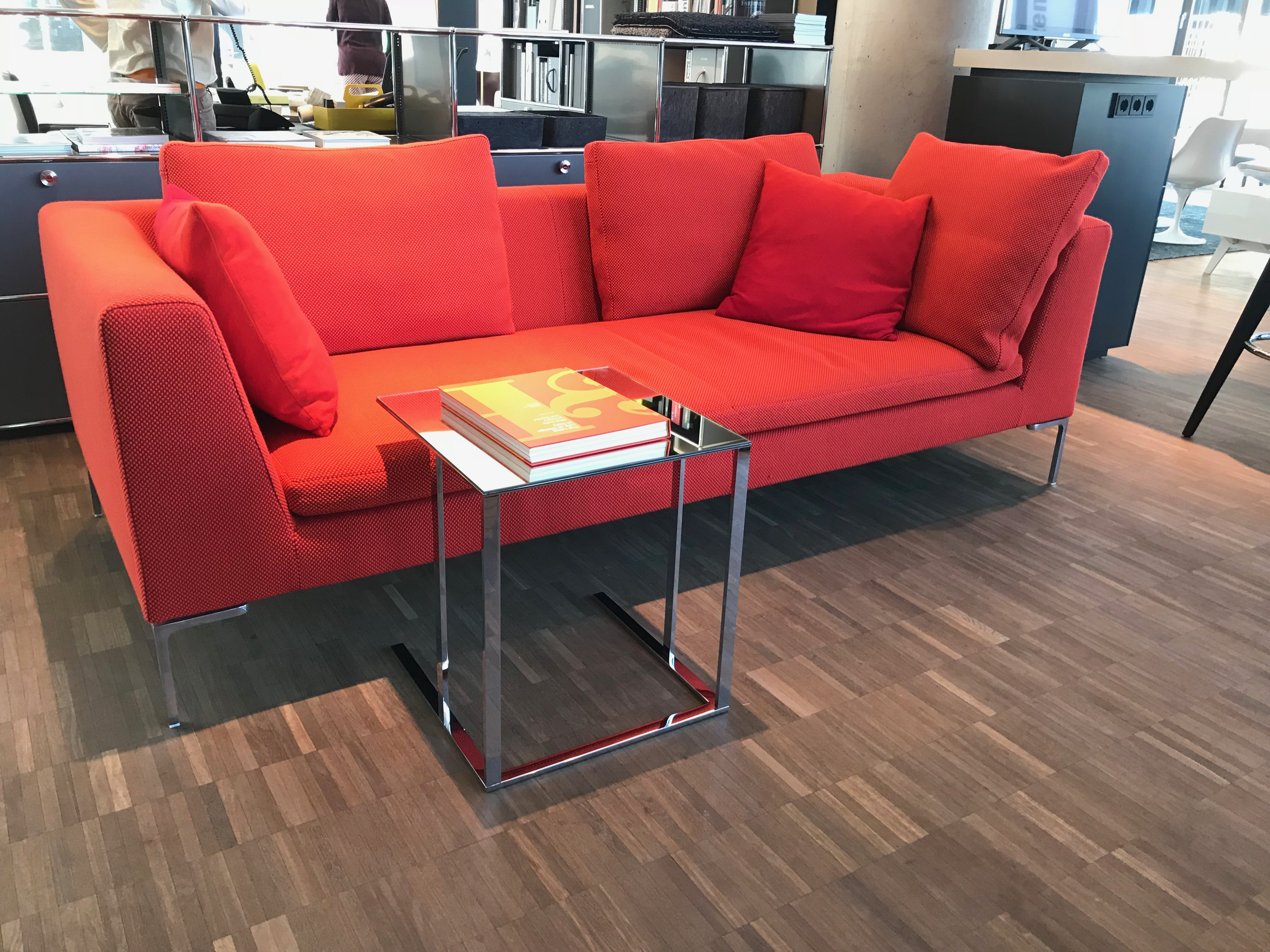outlet b b italia sofa charles stoff rot outlet vitrapoint d sseldorf. Black Bedroom Furniture Sets. Home Design Ideas