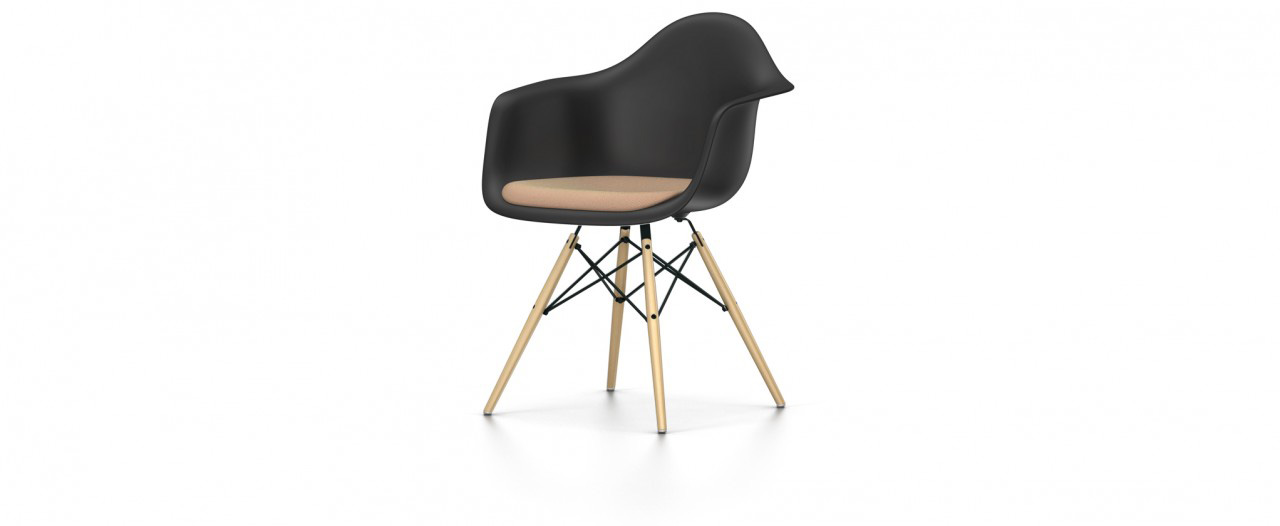 Vitra DAW mit Sitzpolster - Eames Plastic Chair
