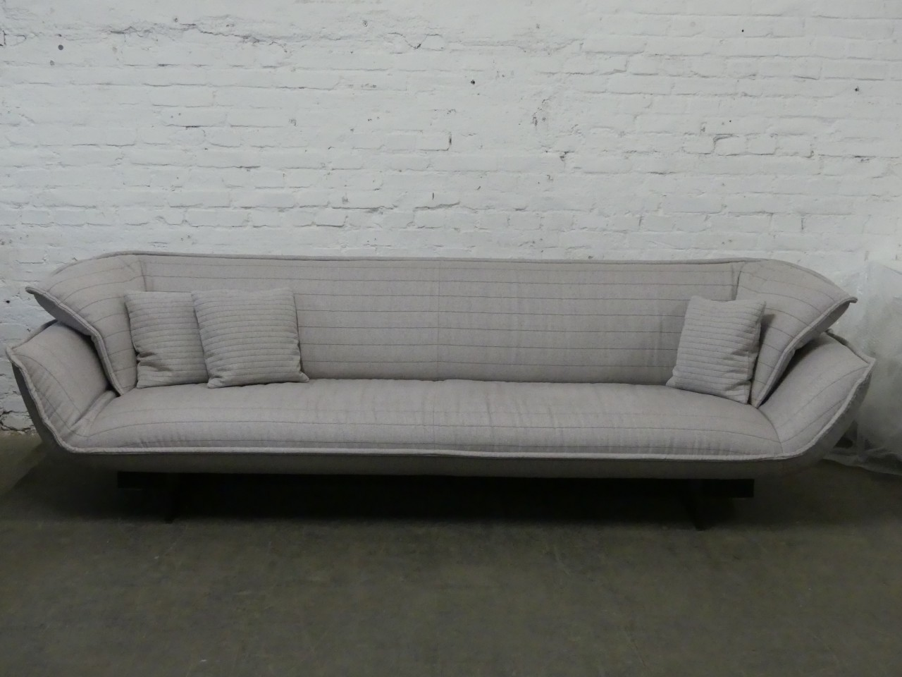 Outlet Cassina Sofa Beam Stoff hellgrau