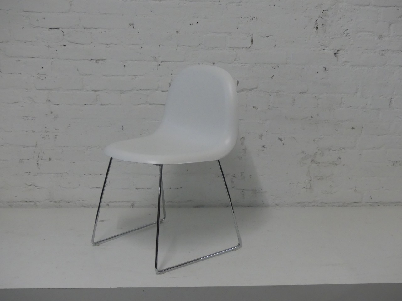 Outlet Gubi 3D Chair weiß chrom
