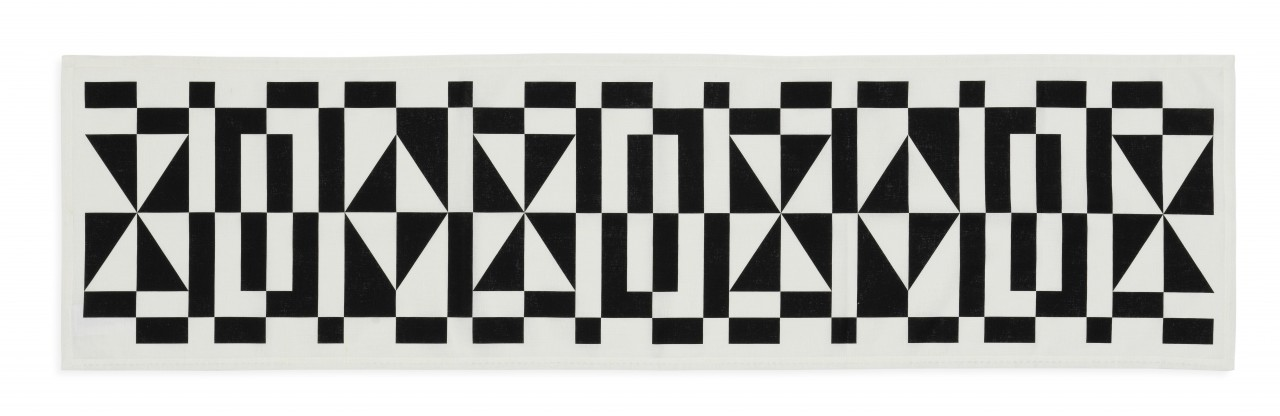 Table Runner Geometric